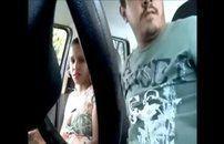Casal amador fodendo no carro
