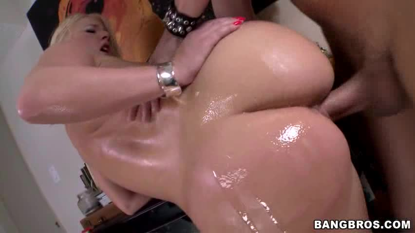 Gravou porno com pornstar bunduda